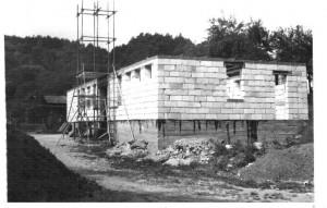 fotbal-bilovice-stavba-kabin-1980.jpg